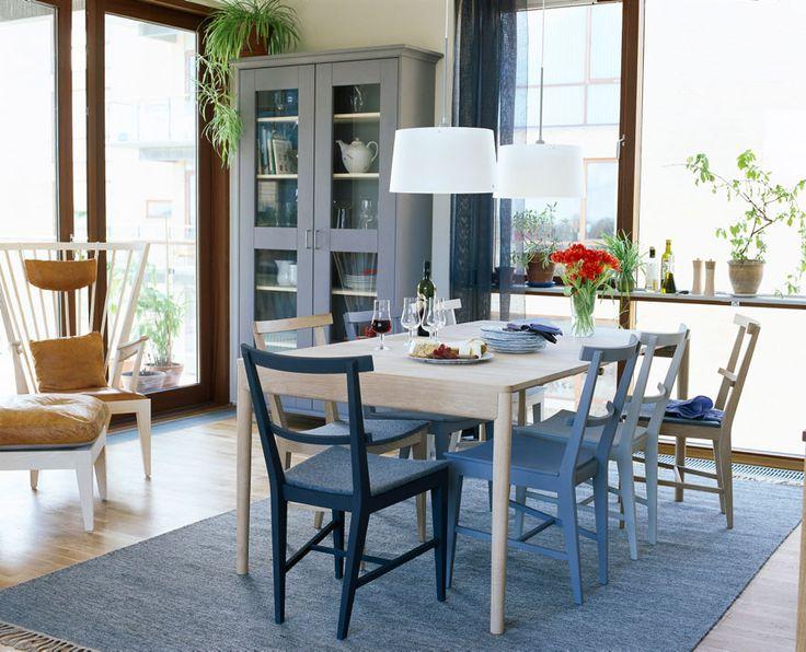 Brett-matbord-Stol-Höga-skåp-Länstol-och-Fotpall