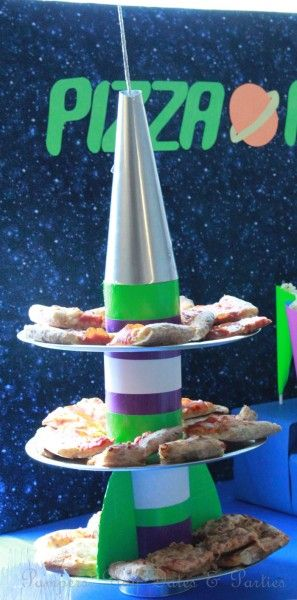 Pizza Planet pizza stand DIY tutorial