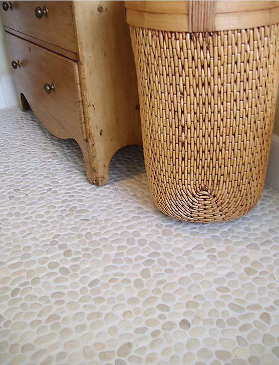 Мозаика из морской гальки в интерьере Кантри и Прованс