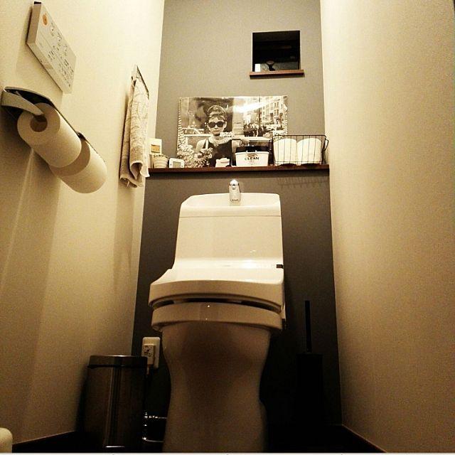 女性で、4LDKのトイレ/グレーインテリア/バス/トイレについてのインテリア実例を紹介。「イベント用再投稿」(この写真は 2017-08-20 21:55:55 に共有されました)