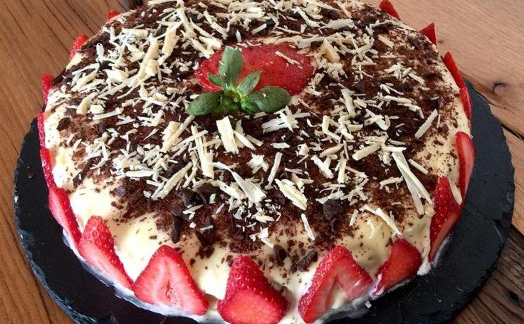 Beyaz Çikolatalı Çilekli Pasta