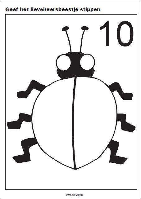 Kleikaarten, met plasticine dit Lieveheersbeestje stippen geven