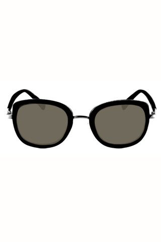 Del retro al futurismo en 25 gafas de sol. Gafas cuadradas inspiradas en June Cash de Lord Wilmore (75 €).