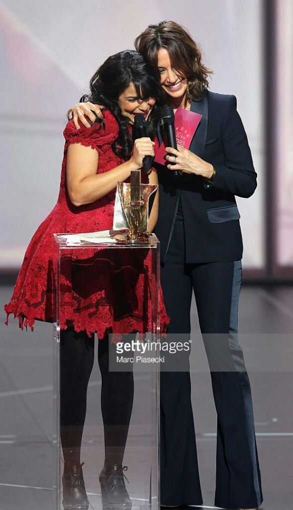 Indila qui a gagné le récompense mondiale de musique pour le meilleure album du monde