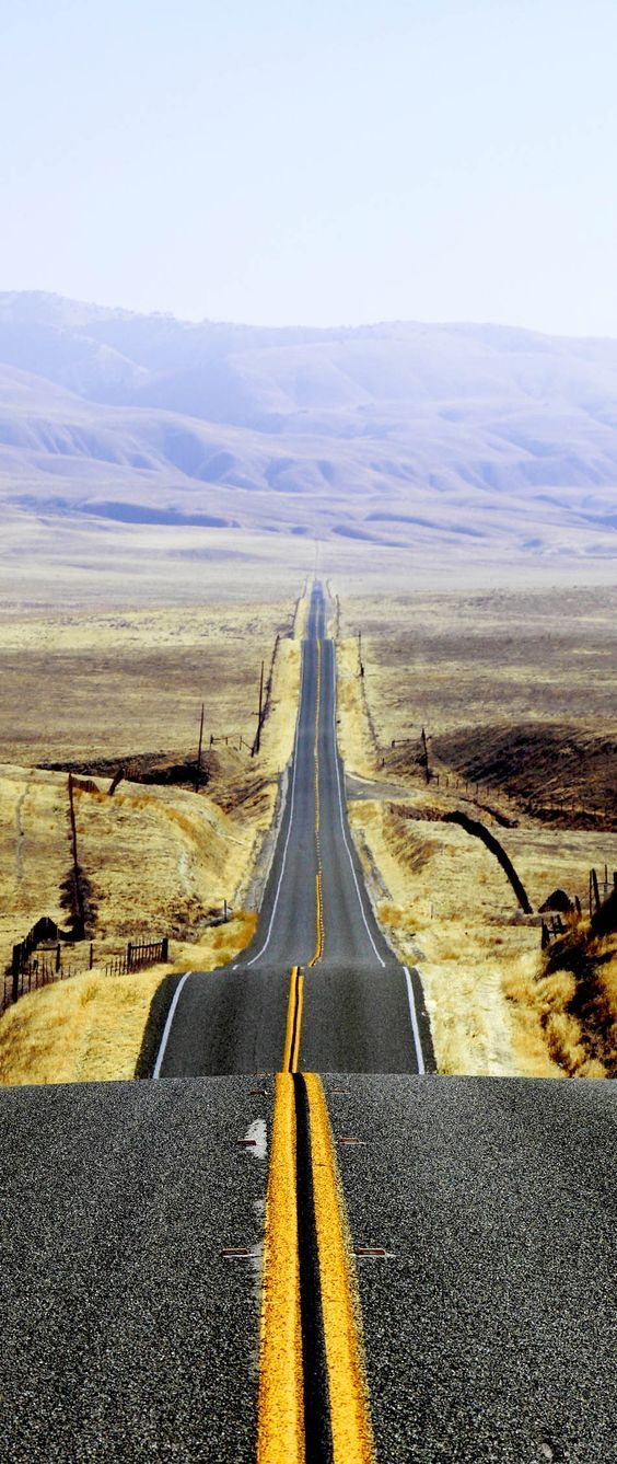 Ultimate epic cross-country road trips in USA that should be on your travel bucket list.