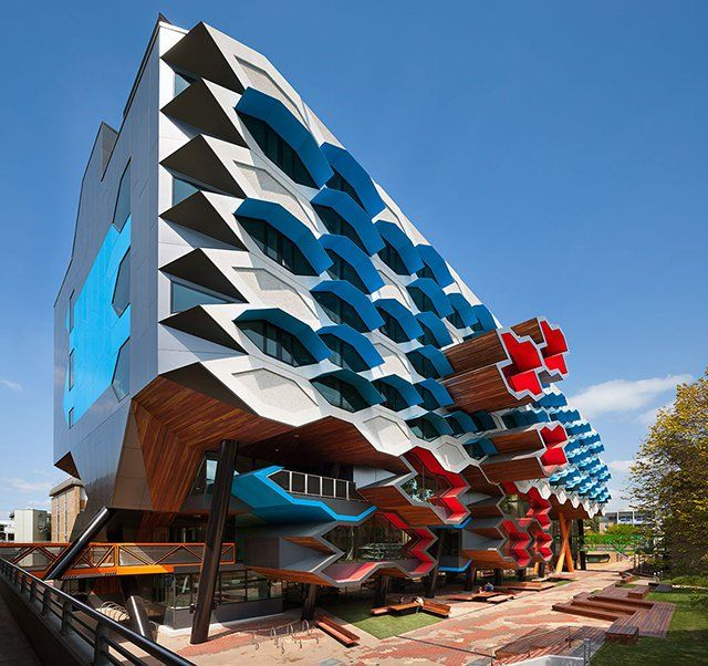 Lims La Trobe University Molecular Science Building:  Lims La Trobe University Molecular Science Building: A University that is all about cultivating creativity is the perfect use of this amazingly unique facade.
