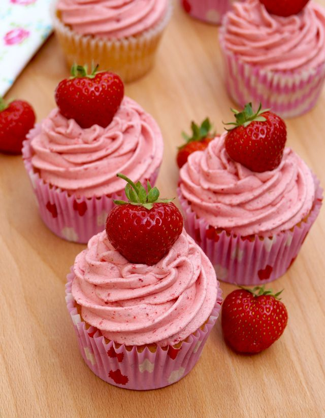 vanilla cupcakes with strawberry-buttercream