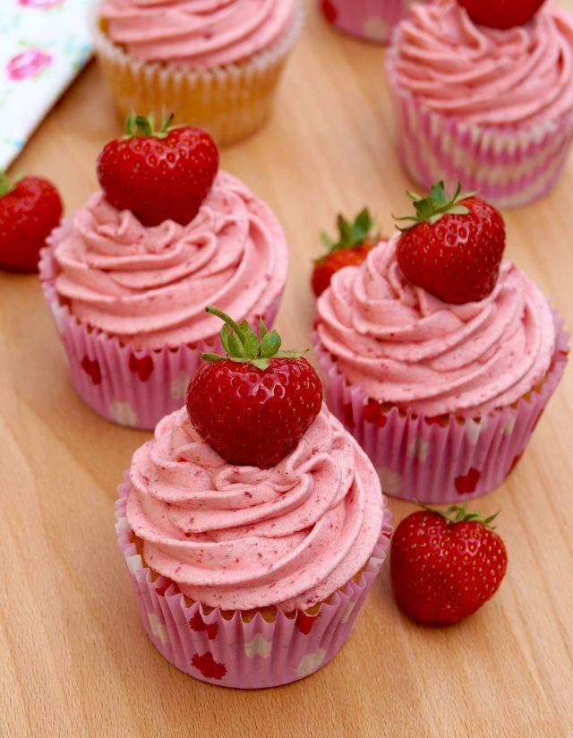 vanilla cupcakes with strawberry-buttercream