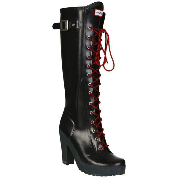 Hunter Women's Lapins Wellies - Black (£75) ❤ liked on Polyvore featuring shoes, boots, leather lace up boots, chunky black boots, black lace up boots, black wellington boots and black rubber boots