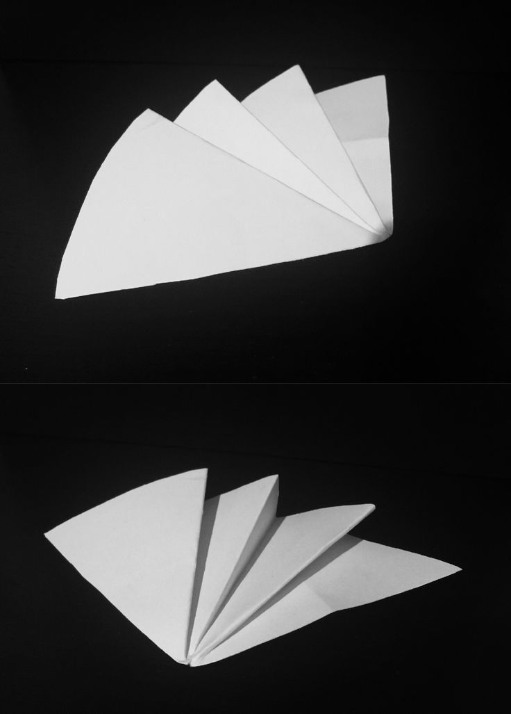 Experiment with Stonehenge. Attempt at a free folding semi circle pleat. The Stonehenge was difficult to work with in this model. Would like to try a full circle with another type of paper. Could make a vase sculpture with several full circle pleats. I do like this type of fold.