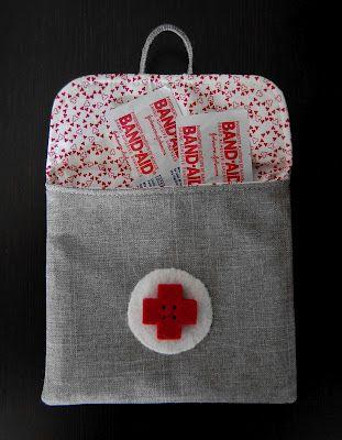 Bolsa de tiritas   -   Bandage pouch