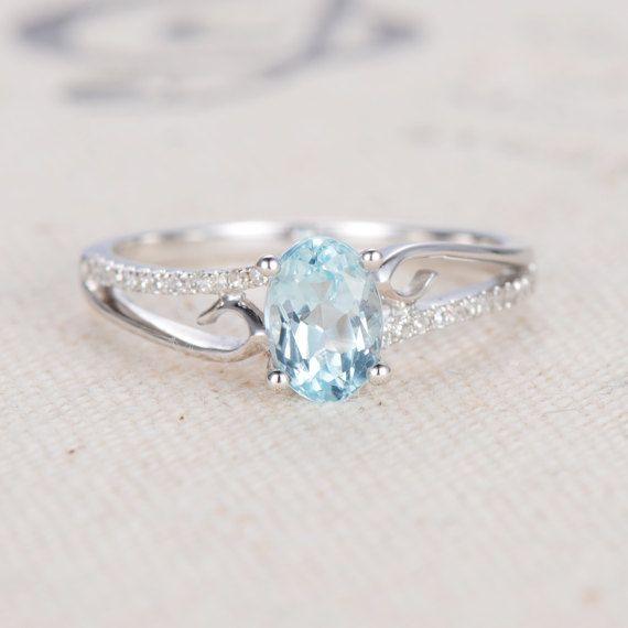 Unieke verlovingsring ovaal knippen Aquamarijn door LoveRingsDesign