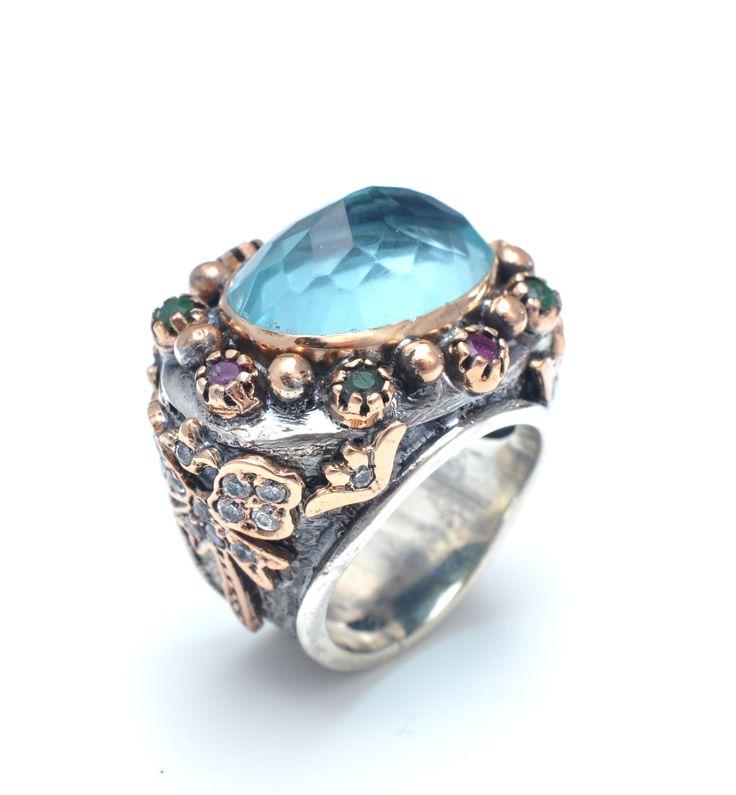 Inel din argint 925 lucrat manual cu pietre semipretioase: cuart bleu fateta, smarald, rubin, zircon. http://www.sultanabijoux.com/urundetay.php?urunID=894&grupID=4&inel-argint-antichizat