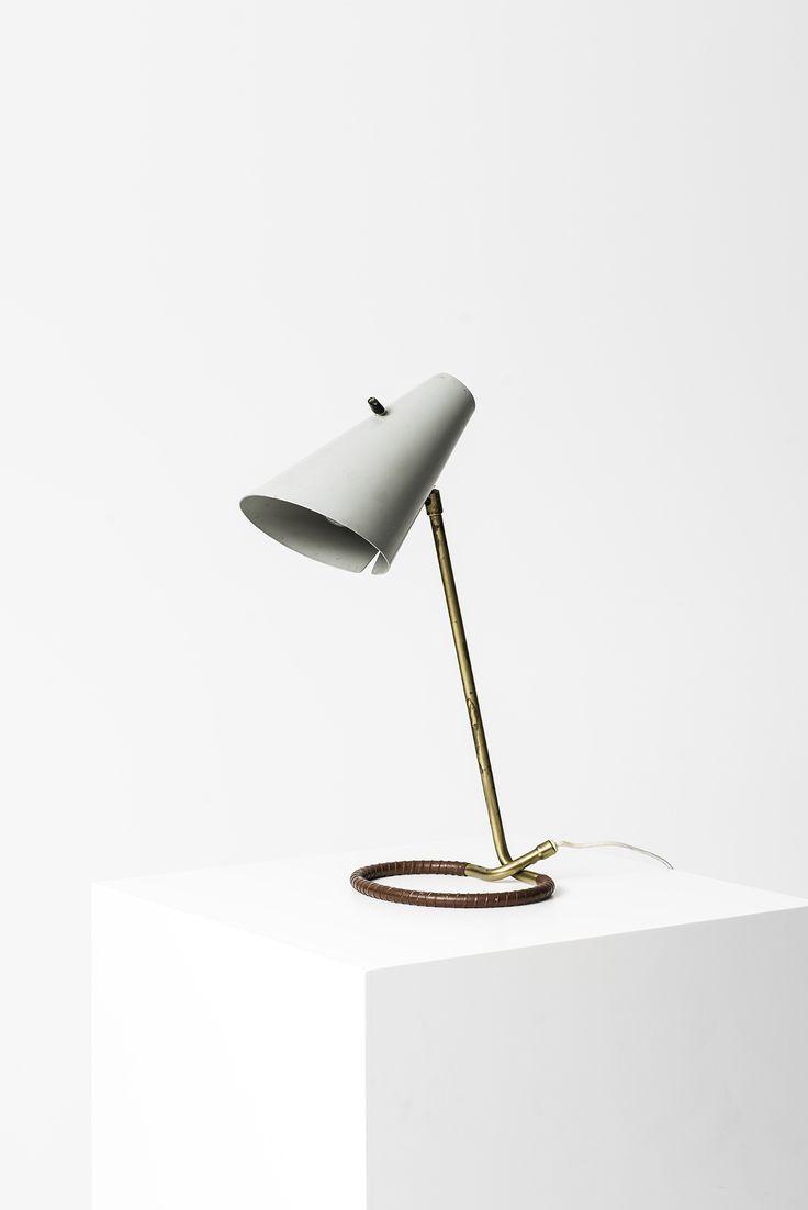 Hans Bergström table lamp model 711 at Studio Schalling