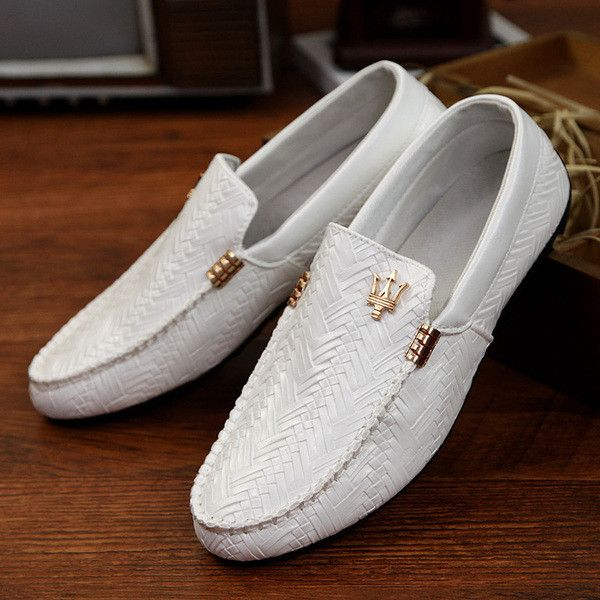 - Leisure slip-on loafers for the modern man - Textured leather design offers a unique look - Comfortable breathable upper - Made from leather - Available in 3 colors