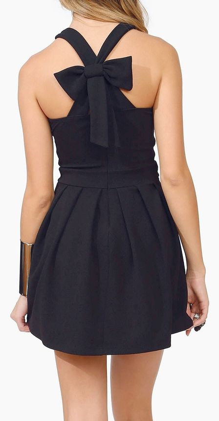 LBD. little black dress with bow on the back. so cute
