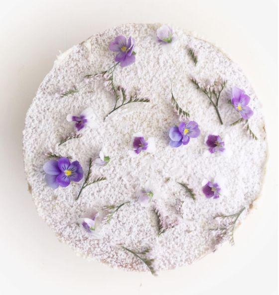 Gillian Bell Cake / Fresh, Botanical Creations / View more: http://thelane.com/brands-we-love/gillian-bell-cake