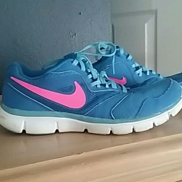 Cute nike shoes Adorable pink and blue Nikes very comfortable just have no need for them anymore only wore a handful of times nike Shoes Athletic Shoes