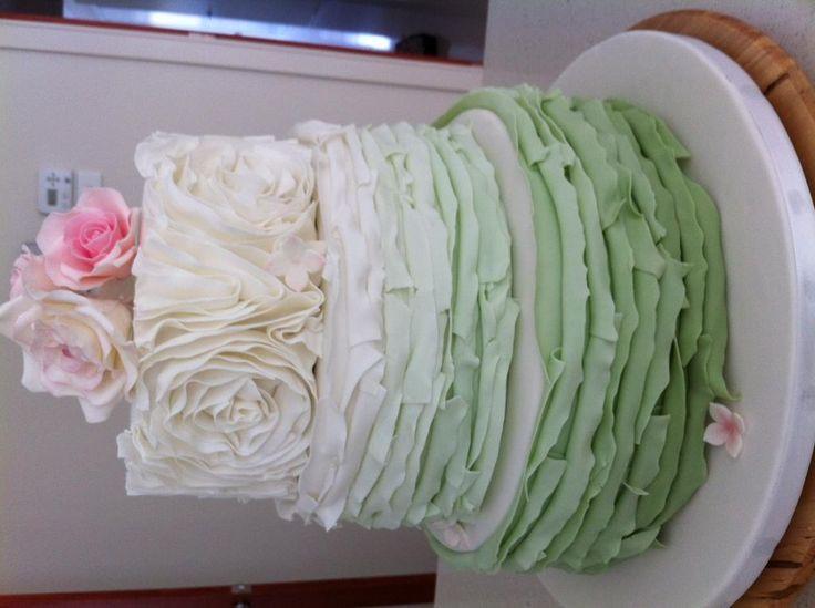 gorgeous wedding cake x