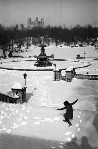 EDOUARD BOUBAT;  Neige a Central Park, New York, 1964
