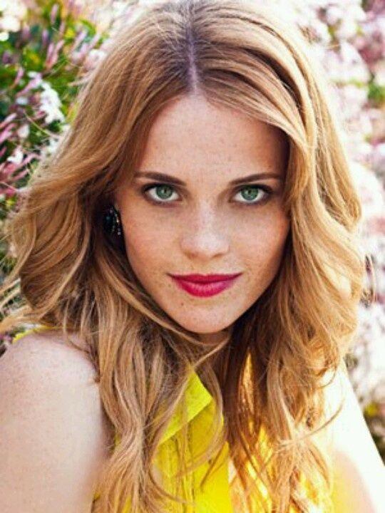 Switched at Birth Daphne