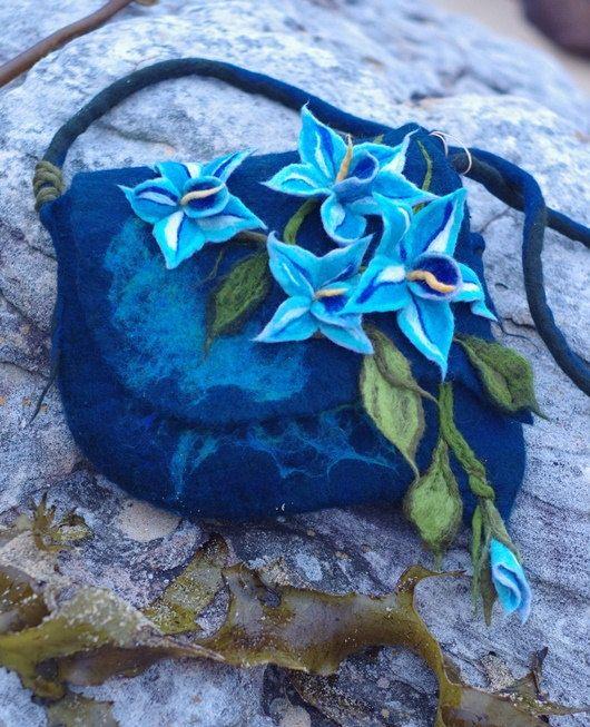 Felted Bag.Blue.Turquoise.Inside fabric lining.Felt Handbags.Art Bag.Summertime.Flower Bag.Tote Bag.Flowers Unique. Fantasy Felted Bag.