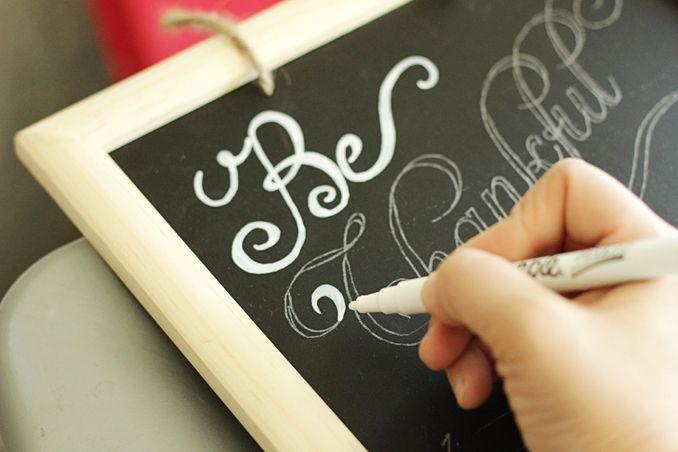 Chalkboard Art: Use a white sharpie on the black chalk board for