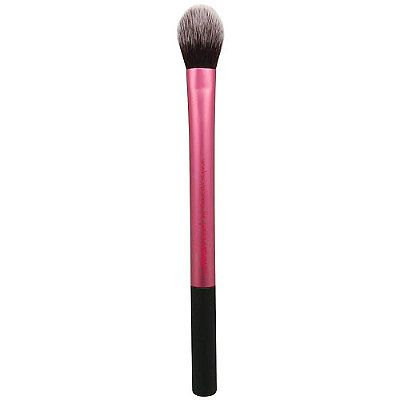 Real Techniques Setting Brush - Great for setting concealer with just a light dusting of powder and/or blending shadows for a more polished look.