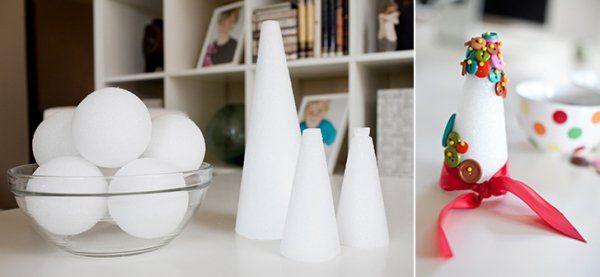 bricolage de déco pour Noël en cônes, boules et boutons