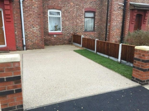 Bonded Resin Driveway with a light gravel as the aggregate