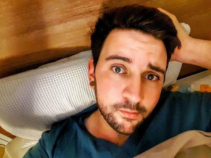 Arrancando con los gallos .       #brisbane #australia #morning #selfie #communism #garden #gaybrisbane #gayaustralia #septum #gayusa #scruff #barba #beard #coffee #hairy #vscocam #vsco #coffee #nature #gaymexico #gaychile #gayeurope #dog #gayargentina #puppy #gaybeard #bringtheboystogether