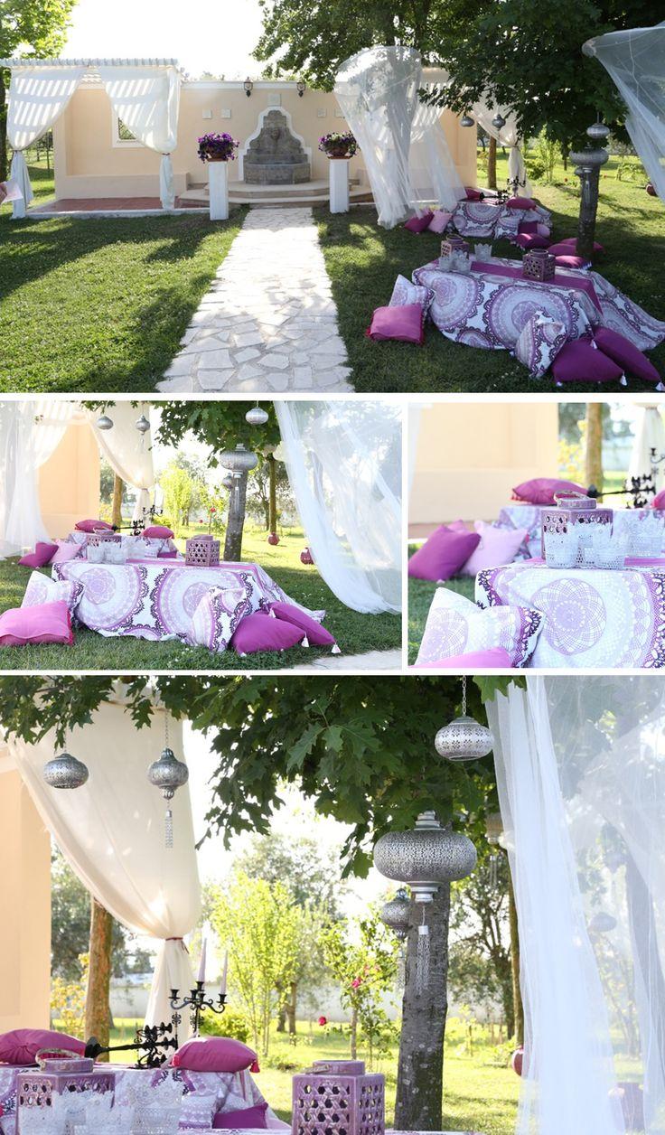Angoli appartati, #gazebo e per finire, alla fontana, un salotto #boho-#chic, con #cuscini coloratissimi e tavoli bassi per una degustazione #wedding #picnic by #voilà