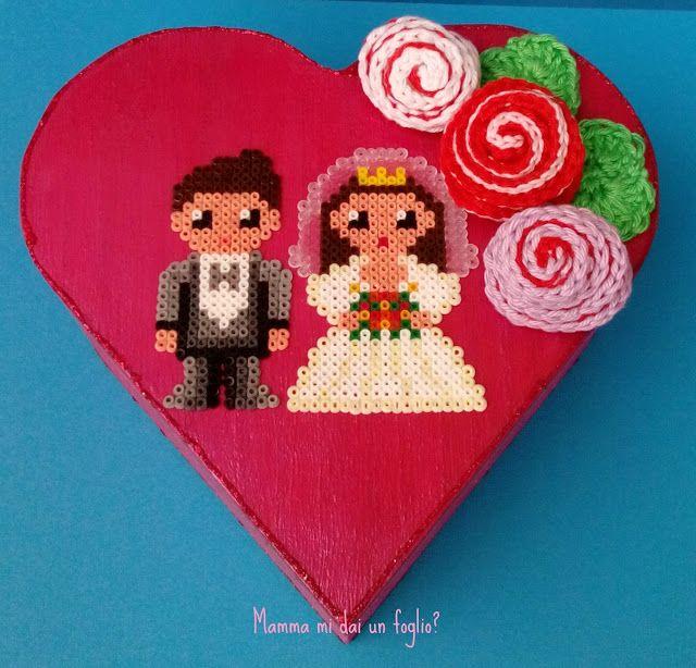 Mamma mi dai un foglio?: Oggi sposi! .....con le perline da stirare e l'uncinetto!