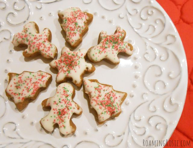 gingerbread cookies minis christmas forward mini iced gingerbread ...