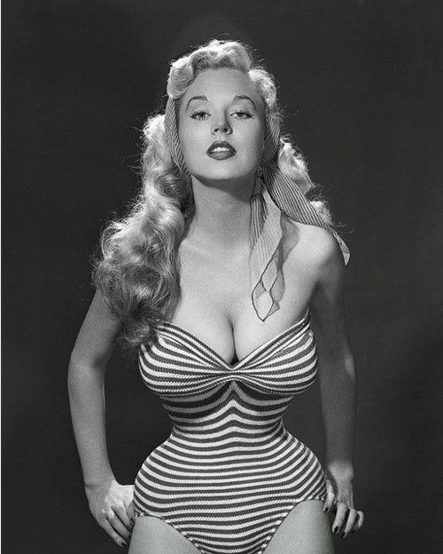 Betty Brosmer, OMG that waist!!!