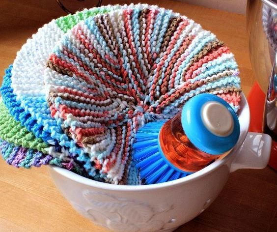 Knitted Circular Dishcloth Patterns : 17 Best images about knitting patterns - for the kitchen on Pinterest Free ...