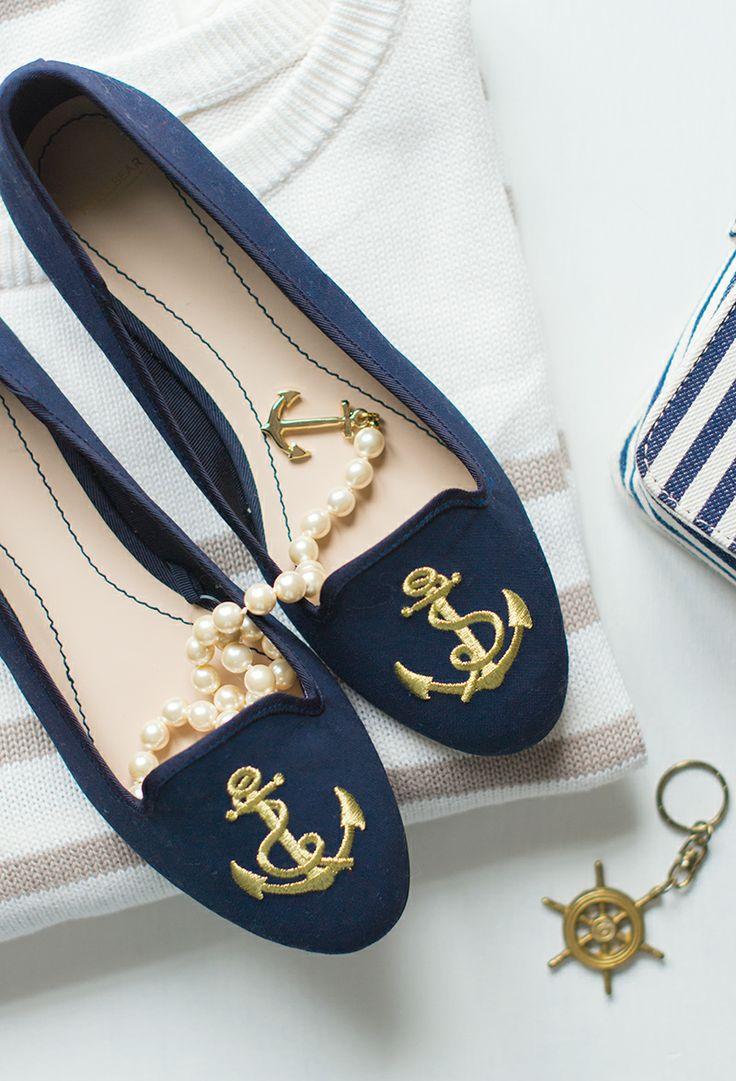 Les Cinq Petites Choses // nautical slippers