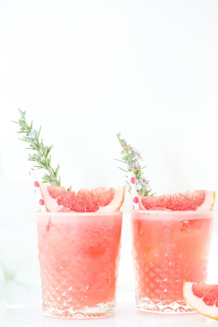 Grapefruit, Gin & Rosemary cocktail