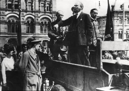 Il bolscevismo corrispondeva al Partito socialista russo, i cui capi furono…