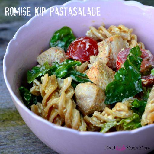 Romige kip pastasalade. Snel en makkelijk, alles zelfgemaakt. Recept van foodensomuchmore.nl