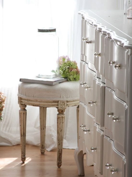 144 best images about dressers on pinterest for Bedroom bureau knobs