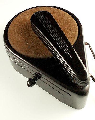 Art Deco/Streamline teardrop bakelite record player, 1940s