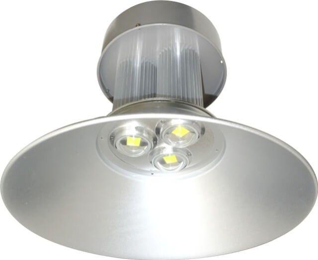 LAMPA INDUSTRIALA CU LED 120W are flux luminos 10800LM si temperatura de culoare 6500K (alb rece) poate fi montata in mediu umed si cu praf datorita gradului ridicat de protectie, IP65. Pret per bucata.