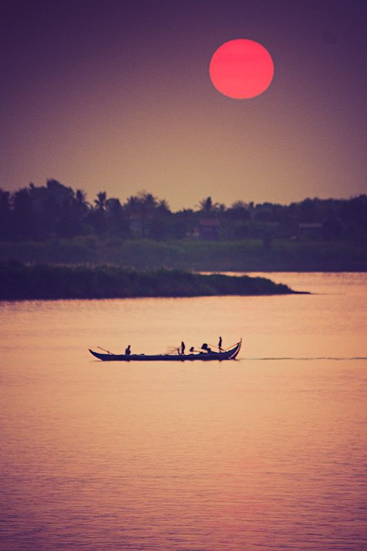 Early morning over the Mekong River in Phnom Penh, Cambodia #Indistay