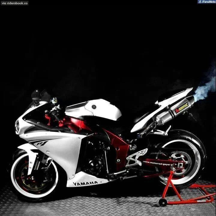 They don't call it super bike for fun, it is indeed a super dupa bike
