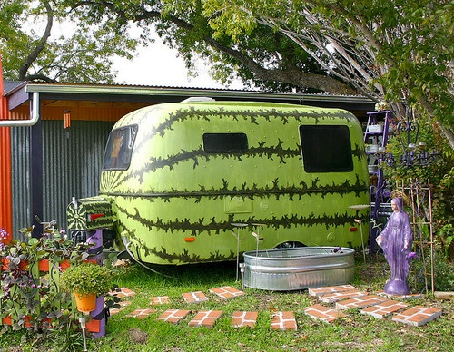 TrailerSports Cars, Vintage Trailers, Campers, Vintage Caravan, Cute Ideas, Travel Tips, Camps, Travel Trailers, Watermelon