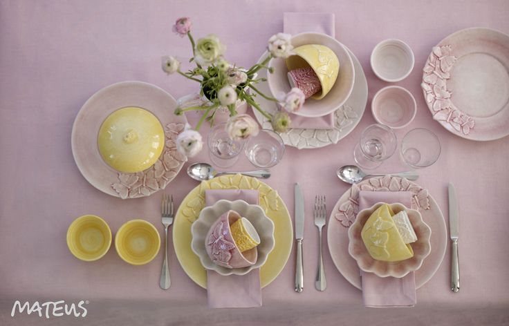 We Think this tablesetting would be a sucess for Easter!