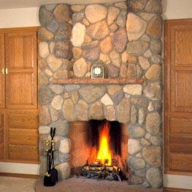 1000 ideas about river rock fireplaces on pinterest for Laying river rock
