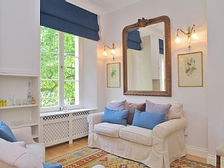 Charming, newly decorated Bayswater flat close to Hyde ParkHoliday Rental in Lancaster Gate  from @HomeAwayUK #holiday #rental #travel #homeaway