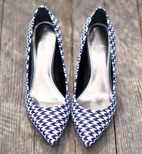 Confira nesse passo a passo como é possível customizar o sapato forrando com tecido